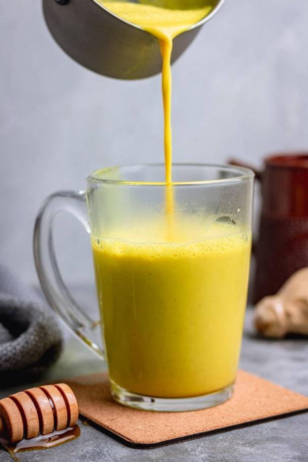 ibric turmeric latte